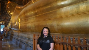 Lisa with the reclining Buddha
