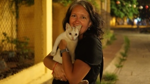 Lisa found a cat to cuddle in Hoi An
