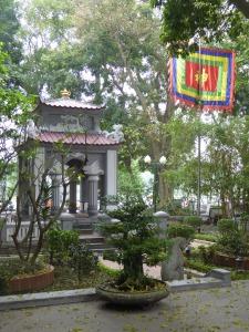 Monument to Le Loi