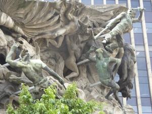 Sculpture depicting history