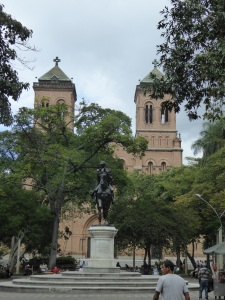 Bolivar square with the church in the background